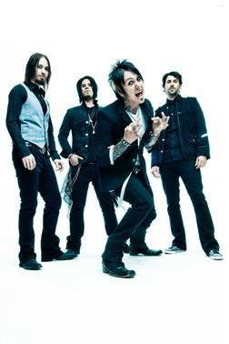 """Текст песни """"Broken Home"""", исполнитель Papa Roach"""