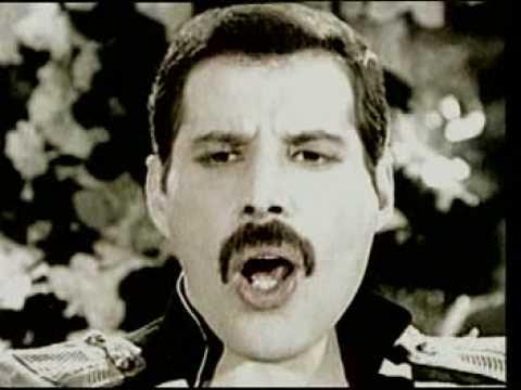 "Текст песни ""Living on My Own"", исполнитель Freddie Mercury"
