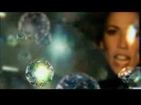 """Tomorrow Never Dies"", исполнитель Sheryl Crow"